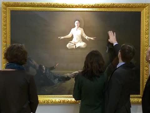 「真善忍國際美展」蒞臨拉脫維亞展出