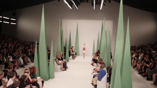紐約時裝週:2015 Carolina Herrera 春夏新款
